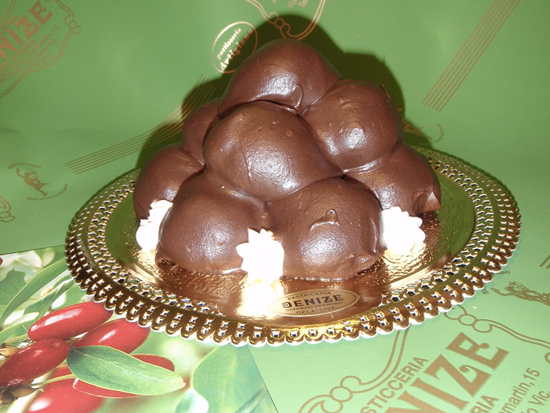 Profitterol con chantilly di Corniole